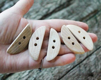 Set of 5 wooden buttons - eco friendly buttons - made in Ukraine from beech-tree