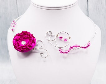 """Bridal necklace adorned with a """"Amber"""" satin flower"""