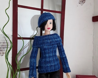 Hand knitted blue sweater for Momoko