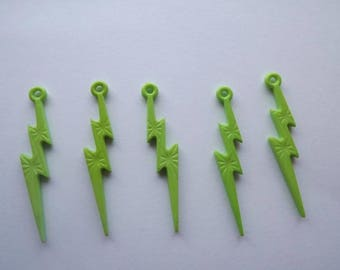 Charms eclairs green acrylic (x 5)