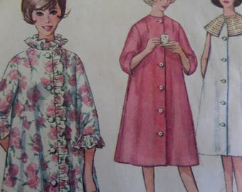 RUFFLED DUSTER Pattern • Simplicity 4708 • Miss 14 • Soutach Trim Robe • Misses Robes • Sewing Patterns • Womens Patterns • WhiletheCatNaps