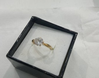 Solitaire ring 18 k Yellow Gold