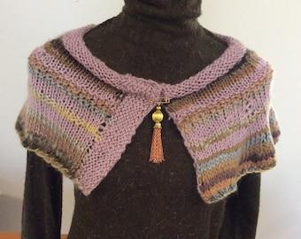 Handknit capelet.Mini shawl. Knitted wrap.Winter woollies.Vintage tassel knit shawl.