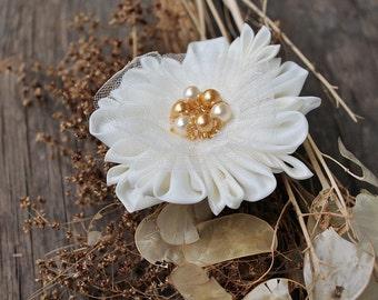 Cream Bridal Flower, Kanzashi Hair Clip, Wedding Hair Flower, Silk Bridal Clip, Cream Head Piece, Flower Hair Clip, Kanzashi Flower Clip