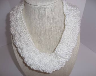 Knit Cowl, Knitted White Cowl. Infinity Scarf, Girl's White Scarf,Circle Scarf, Hand Knit Cowl, Winter Accessory, Gift Idea