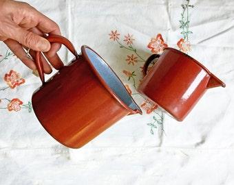 French Vintage Red Enamel Pitcher/Enamelware Jug/Graniteware/Speckled Ware/Pichet émaillé/Large Enamel Jug/Rustic Primitive Decor/Décor Brun