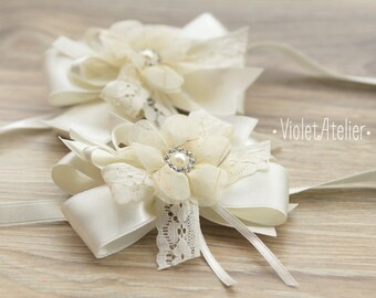 2 Ivory Flower Wrist Corsages, Bridesmaids Corsages, Mother Of the Bride Corsage, Wedding Wrist Flower Band, Satin Lace Wedding Corsages