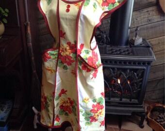 Vintage design, beautiful Nasturium apron.  M-L.