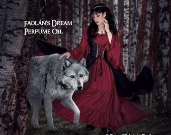 FAOLAN'S DREAM Perfume Oil - Apples, Tea Leaves, Vanilla, Bergamot, Spices, Cognac, Pine, Redwood, Ozone, Woods, Florals - Fantasy Perfume