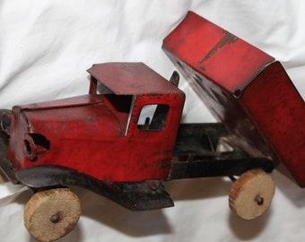 Vintage Wyandotte Toy Dump Truck 1930s 1920s toy truck Pressed Metal Toy Dump Truck with Original Paint