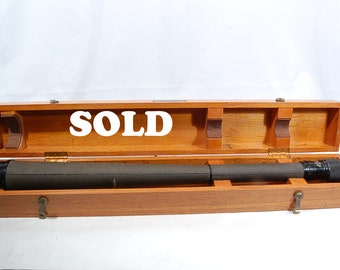 1942 US NAVY MK1 Vintage Spyglass WW ll Fee & Stemwedel inc with Matching wood Box and Serial Number.