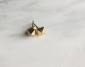 Gold dainty pyramid stud earrings