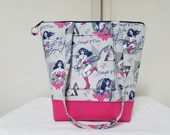 Wonder Woman Tote Bag, Vinyl Bottom, Wonder Woman Purse with Pockets, Wonder Woman Bag, Pink Tote Bag, Washable,Travel Bag.