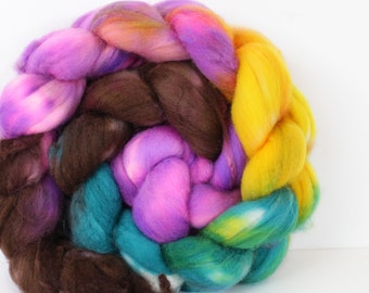 Chalcedony 4 oz Merino softest 19.5 micron Roving Top for spinning