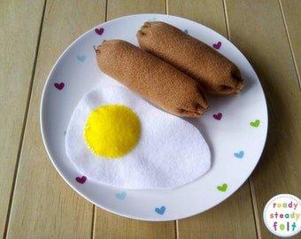 Felt play food - sausages and egg