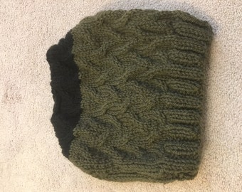 Black and green cable knit hat