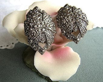 Vintage Silver And Marcasite Earrings / Clip On Earrings / 1950's / Vintage Costume Earrings, Wedding Earrings, Bridal Jewelry