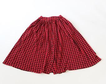80s Nafta Line Skirt / Woolly Skirt / A-Line Skirt / Red and Black Geometric Print / Triangles / Mid Length / 1980s / Retro