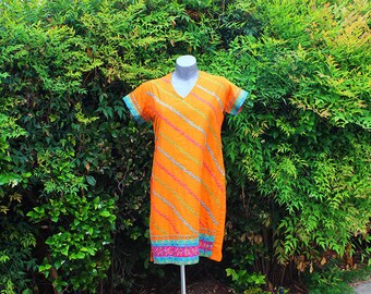 Vintage Tunic, Indian Style, Dressline, 90s, Ethnic Print, High Slit, Short Sleeve, V-Neck, Orange, Embroidery, Jewels, Size Medium