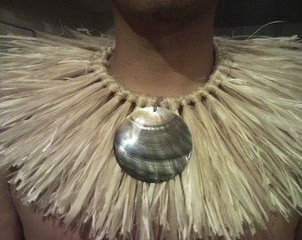 HAU NECKPIECE with a 3 inch Mother of Pearl Shell