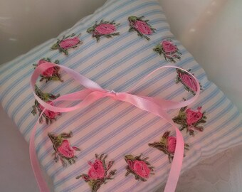 Wedding ring pillow,wedding ring cushion,ring bearer cushion,wedding gift,handmade wedding gift,ring holder,cushion,rosebud pillow