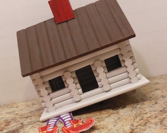 Wizard of Oz Party Centerpiece - Dorothy's House