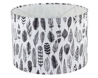 lampshade black and white feathers / kidsroom / bohemian/ children / indians