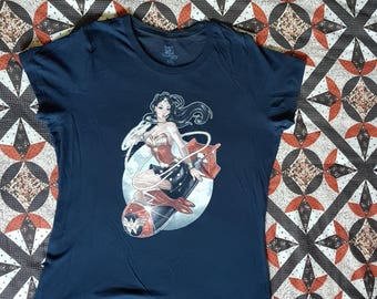 Navy wonder woman xxl tshirt