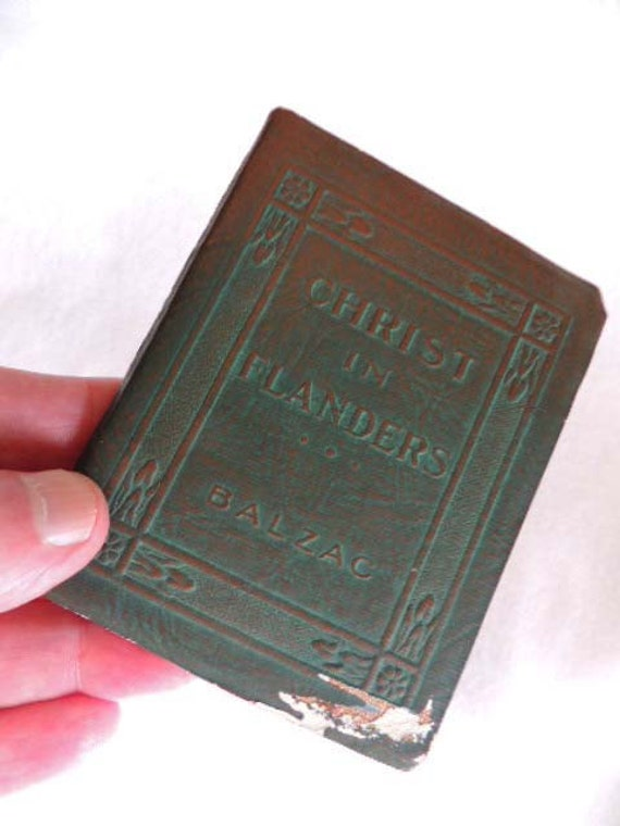 Vintage Book.. Little Leather Library... CHRIST IN FLANDERS By Balzac