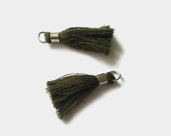Set of 2 tassels khaki 40mm with bail and silver plated ring