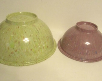 Two Vintage Texas Ware Melamine Confetti Speckled Splatter Ware  Mixing Bowls Green & Purple