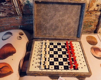 English Antique CHESS SET portable travel ALLIGATOR Paper over wood box All Pieces Complete antique unusual odd game collectable British