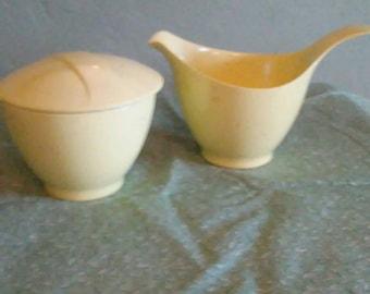 Debonaire Melmac Covered Sugar Dish and Creamer Mid Century 1950s Yellow Flecked Atomic Age Set & Vintage melmac | Etsy