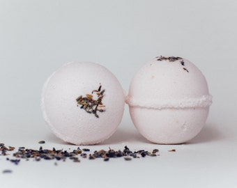 Lavender Bath Bomb-Lavender bath bomb, Lavender, Cocoa butter bath bomb, Bath Bomb, Epsom salt bath bomb, Stocking stuffer, Girl gift
