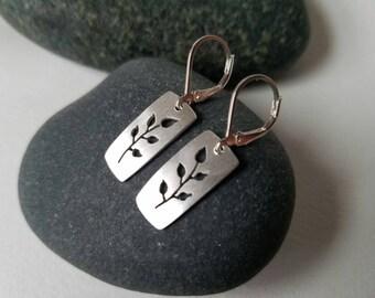 Stem Cut Out Earrings