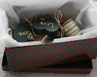 Antique Sewing Spools Decor /Sewing Room Decor, country decorating, hunter green, gift idea for a Sewer-Quilter-Seamstress-Mom-Grandmother