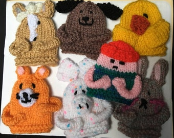 old McDonald had a farm, finger puppet, set of 7 puppets. horse,dog,chick,rabbit,pig,cat and Old McDonald.