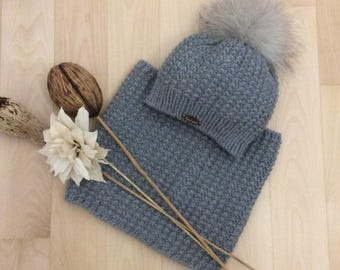 Set hat and neck warmer for baby