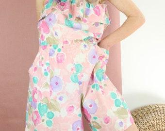 Vintage Floral Romper / 80's Sleeveless Ruffle Playsuit / PERIWINKLE Hot Pants Onsie M/L