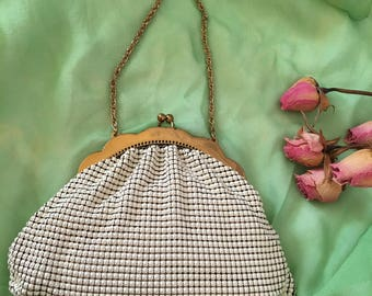 Vintage White and Gold Mesh Whiting and Davis Bridal Bag. Beautiful Deep Purple Lining. Gold Scalloped Frame, Chain. Wedding or Evening Bag.