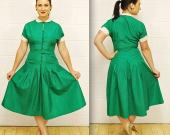 1950's/60's Kelly Green Taffeta Fit and Flare Party Dress with Belt / Rhinestone Buttons / Rare Collectible Retro