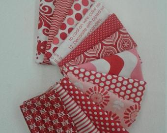 Peppermint Bliss Fat Quarter Bundle of 12 different fabrics