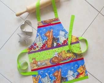 SALE !! Free Shipping !! Kids Apron Cats, childs kitchen baking play apron, girls boys cats & kittens lined cotton apron with green border