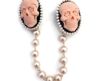 Pink Sugar Skull Cameo Sweater Clip - Pink and Black Skull - Pink Pearls - Retro - Cardigan Clip - Sweater Guard - Sweater Clasp