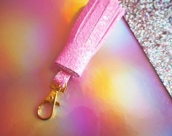 Pastel Pink Glitter Tassel Keyring, Pastel Pink Keychain, Pink Glitter Tassels, Pastel Glitter Keychain, Sparkly Pink Keyring, Pink Glitter,