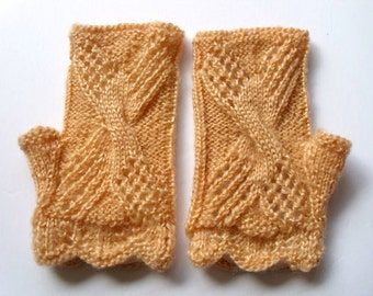 Lace fingerless gloves.  M size. Mustard color.  Hand knit . Ready for shipping.