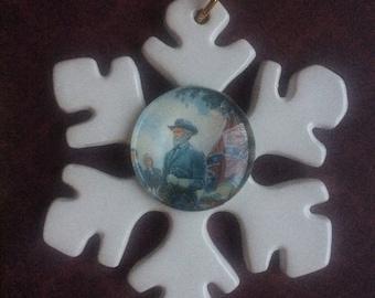 Robert E. Lee Porcelain and Glass Christmas Ornament - Civil War History Southern History - Virginia History