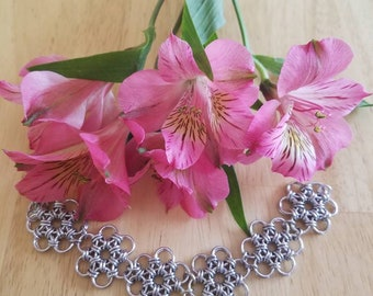 Japanese chainmaille 12 in 2 daisy flower bracelet.