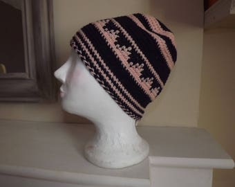 Fine Moroccan Hat crocheted in purple and pink wool/acrylic