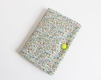 Liberty Quilting Cotton 'The English Garden Collection' Needle Case.